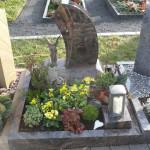 10 urnengrabstein