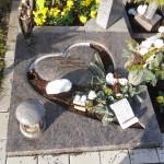 12 urnengrabstein