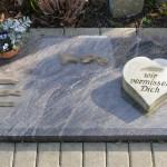 17 urnengrabstein