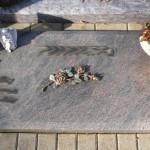 18 urnengrabstein