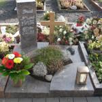 9 urnengrabstein